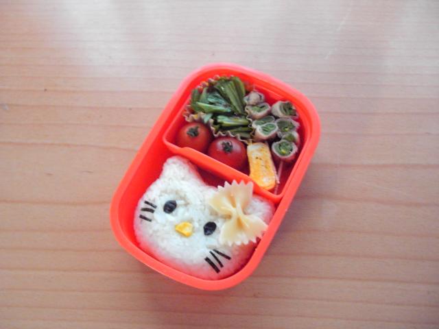 キティちゃん弁当.jpg