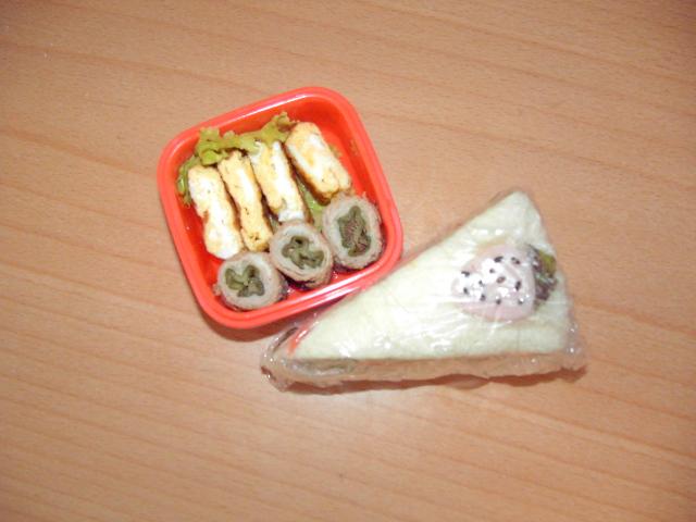 ケーキのサンドイッチ弁当�A.JPG